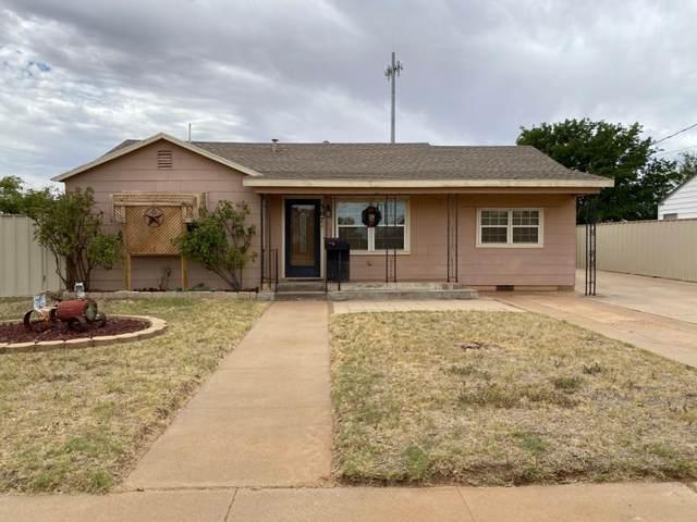 307 N C Street, Brownfield, TX 79316 (MLS #202008060) :: The Lindsey Bartley Team