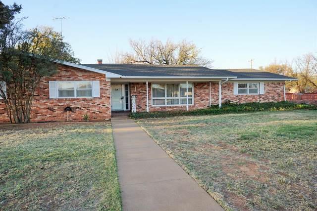 1302 E Hester Street, Brownfield, TX 79316 (MLS #202103046) :: Lyons Realty