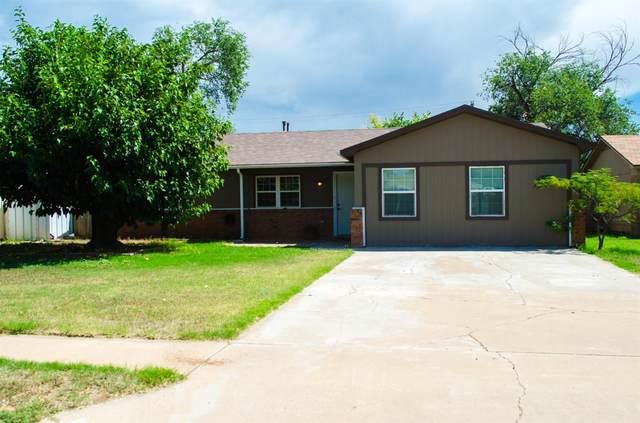 710 13th Street, Shallowater, TX 79363 (MLS #202106874) :: McDougal Realtors