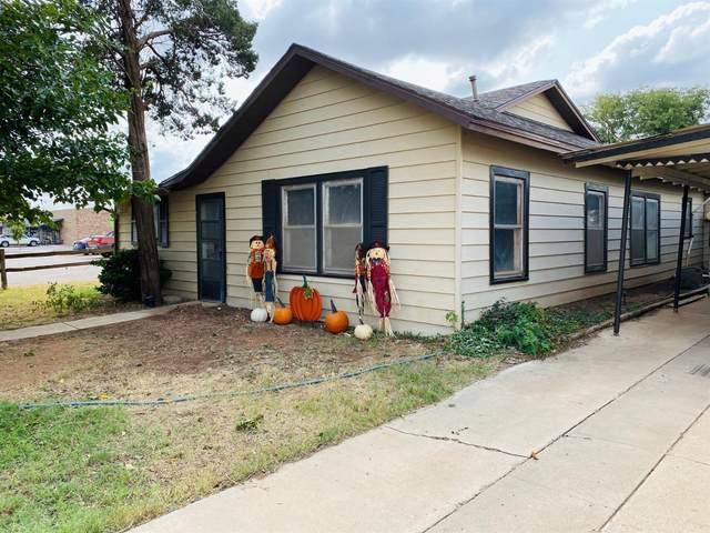 1817 W Lockwood, Tahoka, TX 79373 (MLS #202008141) :: Reside in Lubbock | Keller Williams Realty