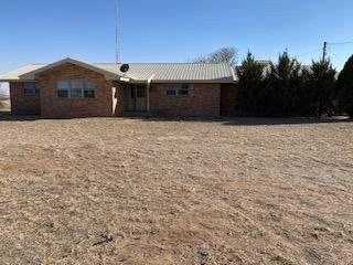 682 County Road 1038, Muleshoe, TX 79347 (MLS #202102445) :: Better Homes and Gardens Real Estate Blu Realty