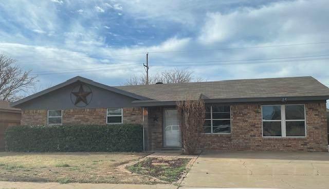 811 9th Street, Wolfforth, TX 79382 (MLS #202104972) :: Reside in Lubbock | Keller Williams Realty