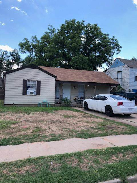 2415 27th Street, Lubbock, TX 79411 (MLS #202105592) :: Better Homes and Gardens Real Estate Blu Realty