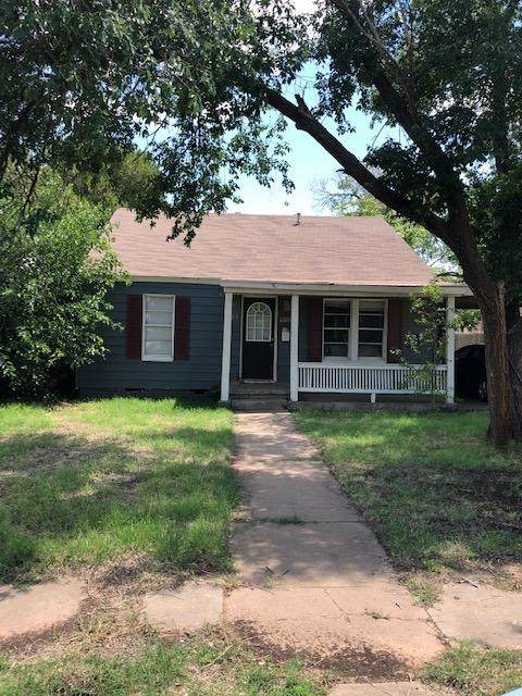 2425 21st Street, Lubbock, TX 79411 (MLS #202105597) :: Better Homes and Gardens Real Estate Blu Realty