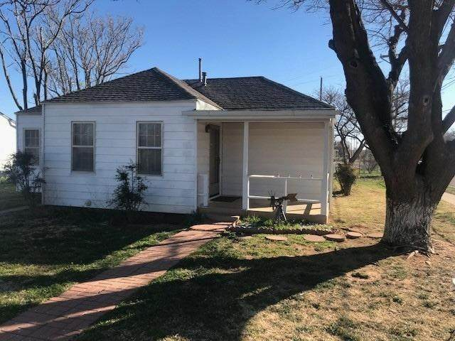 3111 Ave M Street, Lubbock, TX 79411 (MLS #202108782) :: The Lindsey Bartley Team