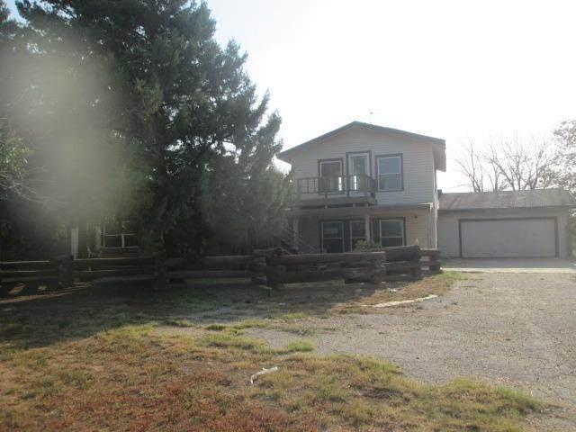 10606 N Farm Road 2528, Lubbock, TX 79415 (MLS #202109965) :: Scott Toman Team