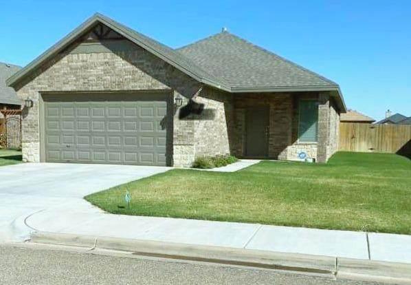 5226 Jarvis Street, Lubbock, TX 79416 (MLS #202109992) :: Scott Toman Team