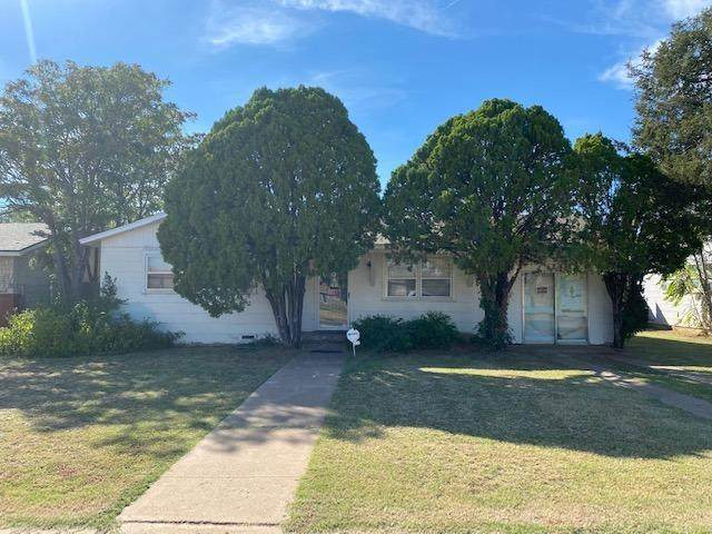 6118 Ave P, Lubbock, TX 79412 (MLS #202110222) :: The Lindsey Bartley Team