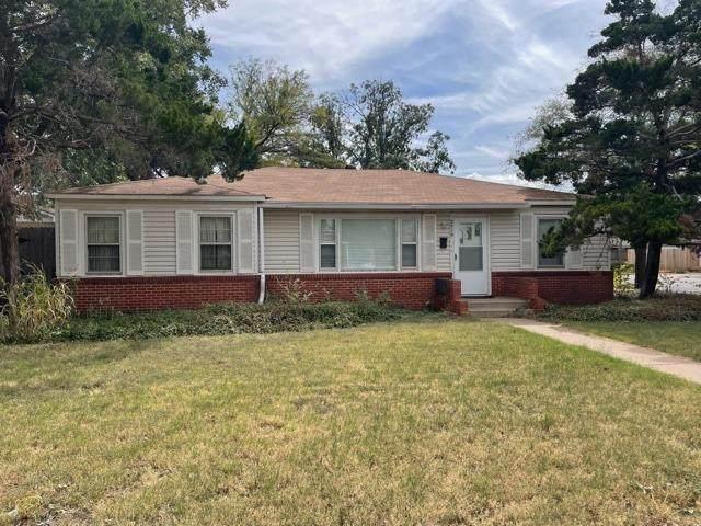 3719 26th Street, Lubbock, TX 79410 (MLS #202110578) :: HergGroup Lubbock
