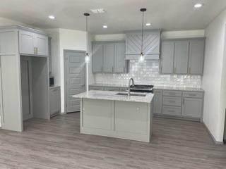 5015 55th Street, Lubbock, TX 79414 (MLS #202110605) :: The Lindsey Bartley Team