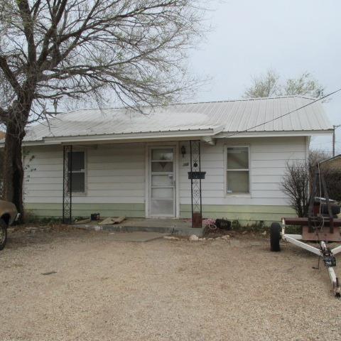 355 E Panhandle Street, Slaton, TX 79364 (MLS #201802692) :: Lyons Realty