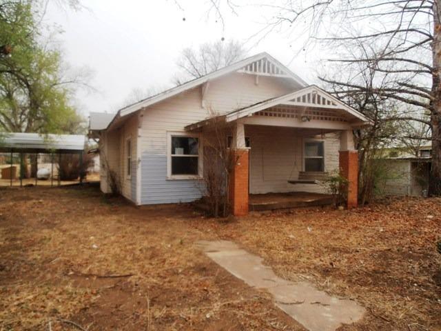 300 2nd Street, Roaring Springs, TX 79256 (MLS #201803119) :: Lyons Realty
