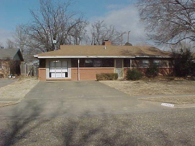 5426 43rd Street, Lubbock, TX 79414 (MLS #201803157) :: Lyons Realty