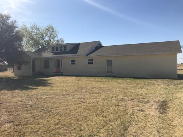 7447 County Road 6170, Shallowater, TX 79363 (MLS #201804956) :: Lyons Realty