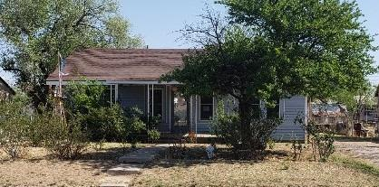 1006 8th Street, Levelland, TX 79336 (MLS #201805004) :: Lyons Realty