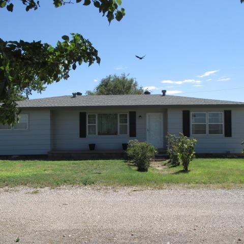 4010 E Farm Road 1585, Slaton, TX 79364 (MLS #201807663) :: Lyons Realty
