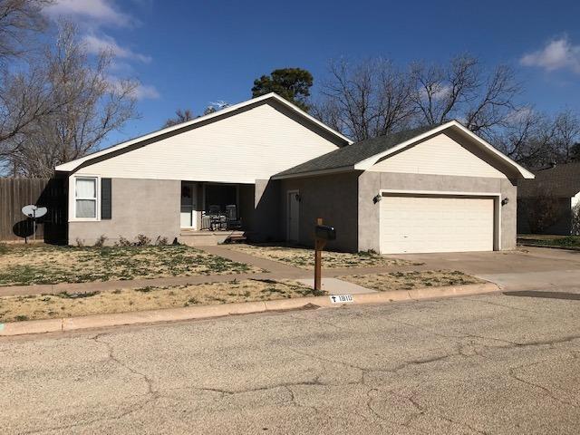 1810 N 6th Street, Tahoka, TX 79373 (MLS #201900252) :: Lyons Realty