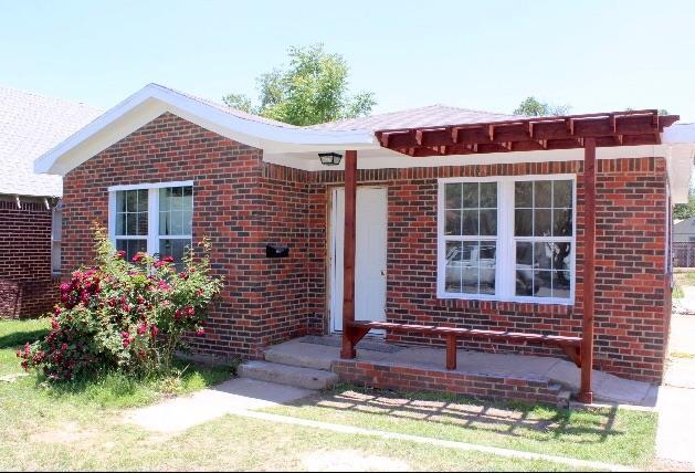 1913 27th Street, Lubbock, TX 79411 (MLS #201904702) :: McDougal Realtors