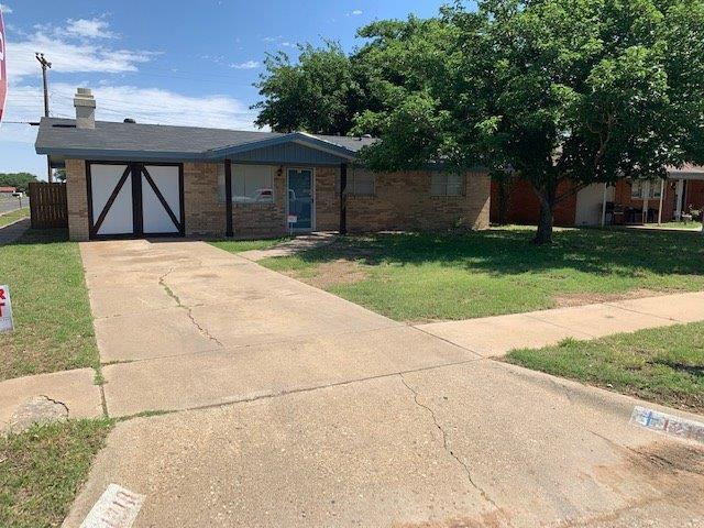 1218 46th Place, Lubbock, TX 79412 (MLS #201904836) :: Stacey Rogers Real Estate Group at Keller Williams Realty