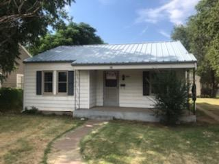 1505 27th Street, Lubbock, TX 79411 (MLS #201906924) :: Stacey Rogers Real Estate Group at Keller Williams Realty