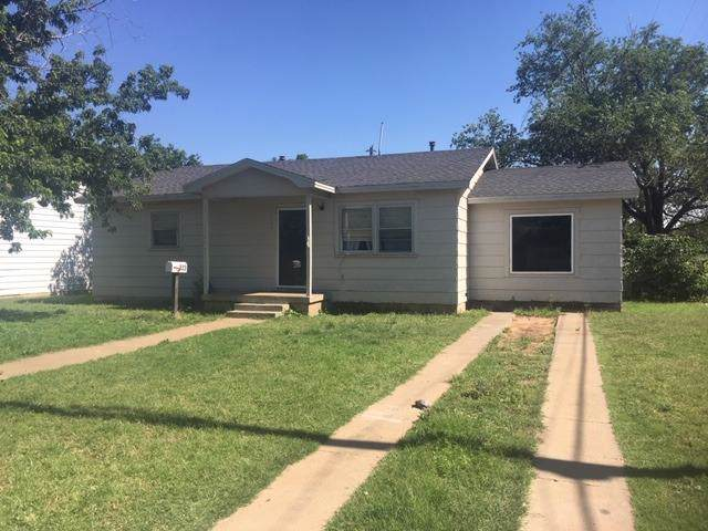 523 55th Street, Lubbock, TX 79404 (MLS #201908107) :: Stacey Rogers Real Estate Group at Keller Williams Realty