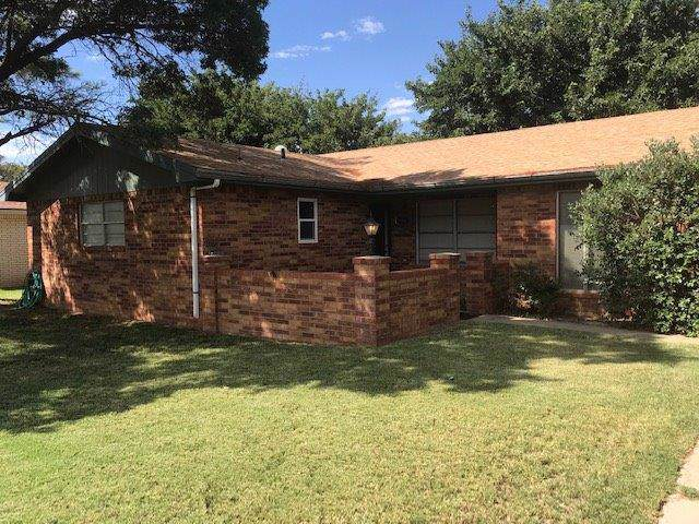 904 SW 9th, Seminole, TX 79360 (MLS #201908460) :: Stacey Rogers Real Estate Group at Keller Williams Realty