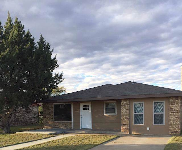 1609 E 8th Street, Dalhart, TX 79022 (MLS #201908829) :: The Lindsey Bartley Team