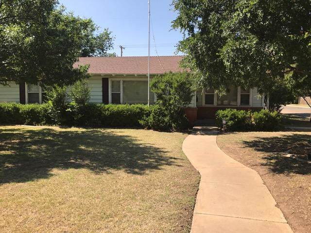 3519 27th Street, Lubbock, TX 79410 (MLS #201910242) :: Better Homes and Gardens Real Estate Blu Realty