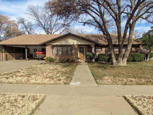 3204 43rd Street, Lubbock, TX 79413 (MLS #201910807) :: Stacey Rogers Real Estate Group at Keller Williams Realty