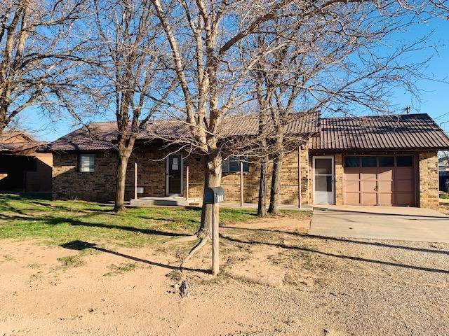 504 Carson Avenue, Ropesville, TX 79358 (MLS #202000695) :: The Lindsey Bartley Team