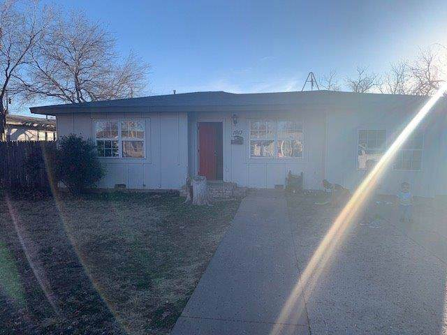 1913 61st Street, Lubbock, TX 79412 (MLS #202000755) :: Stacey Rogers Real Estate Group at Keller Williams Realty