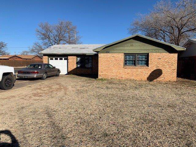 1218 49th Street, Lubbock, TX 79412 (MLS #202000756) :: Stacey Rogers Real Estate Group at Keller Williams Realty