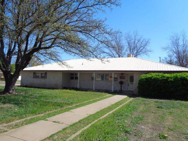 1310 Canyon Street, Plainview, TX 79072 (MLS #202002959) :: Stacey Rogers Real Estate Group at Keller Williams Realty