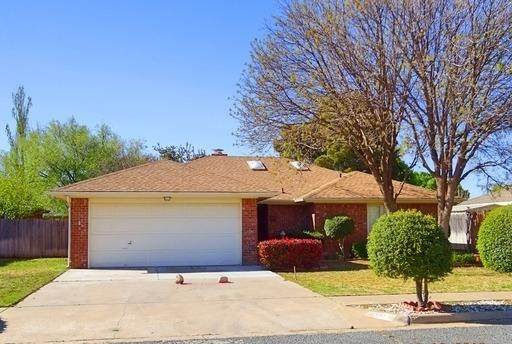 5813 74th Street, Lubbock, TX 79424 (MLS #202003120) :: McDougal Realtors