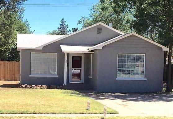 2513 31st Street, Lubbock, TX 79410 (MLS #202003674) :: The Lindsey Bartley Team