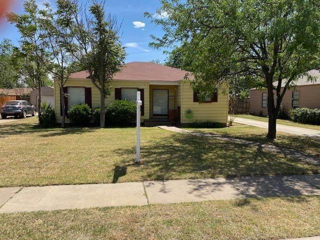 2417 32nd Street, Lubbock, TX 79411 (MLS #202004006) :: Lyons Realty