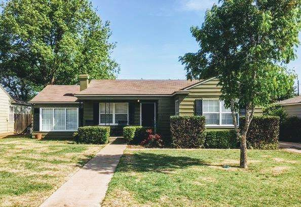 3208 26th Street, Lubbock, TX 79410 (MLS #202004488) :: Stacey Rogers Real Estate Group at Keller Williams Realty