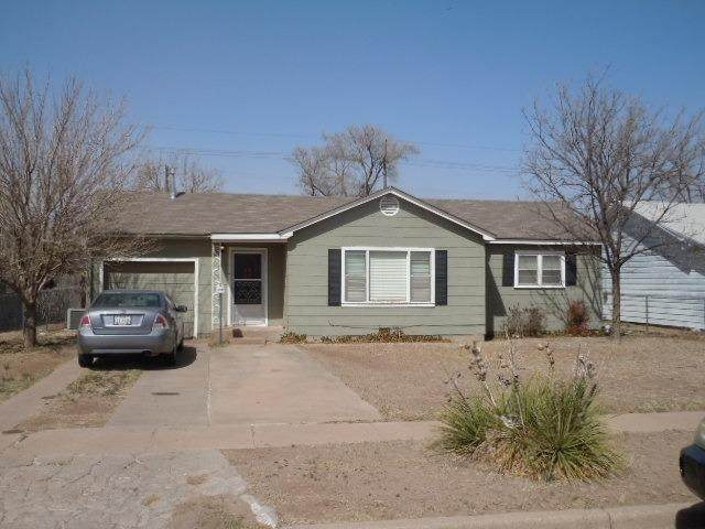 3008 33rd Street, Lubbock, TX 79410 (MLS #202004874) :: Stacey Rogers Real Estate Group at Keller Williams Realty
