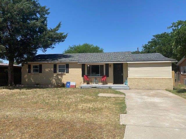 404 SW 12th, Seminole, TX 79360 (MLS #202004943) :: Lyons Realty