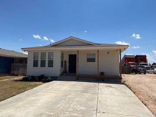 400 NE Ave H, Seminole, TX 79360 (MLS #202004944) :: Lyons Realty
