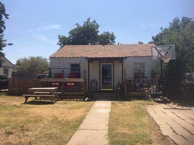 3013 Amherst Street, Lubbock, TX 79415 (MLS #202005278) :: The Lindsey Bartley Team