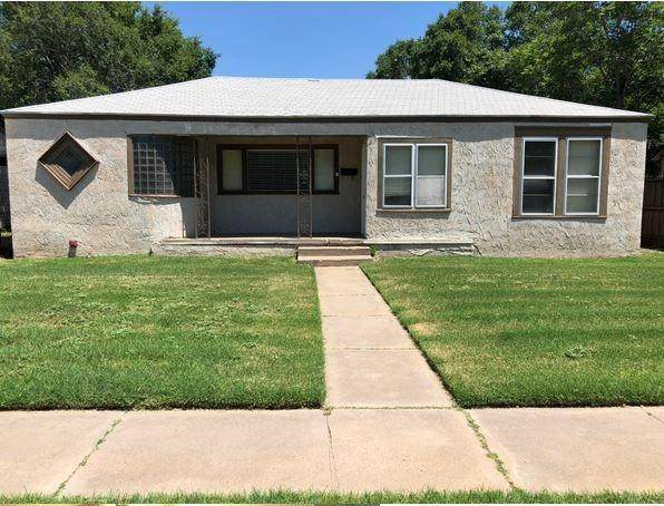 3012 29th Street, Lubbock, TX 79410 (MLS #202006577) :: Stacey Rogers Real Estate Group at Keller Williams Realty