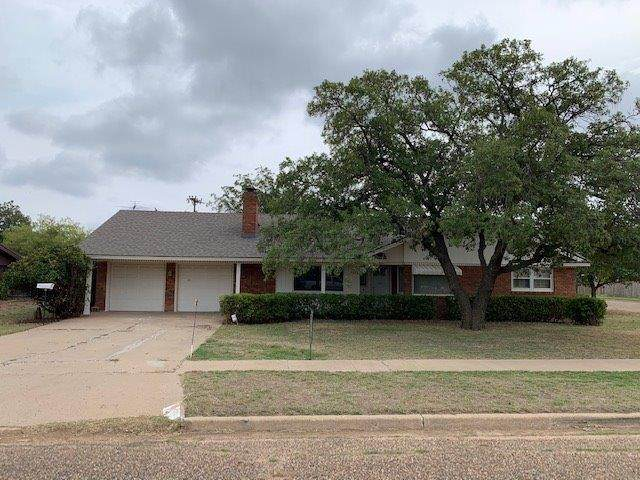 1502 Ave K, Ralls, TX 79357 (MLS #202009200) :: Better Homes and Gardens Real Estate Blu Realty