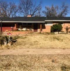 4304 48th Street, Lubbock, TX 79413 (MLS #202011303) :: McDougal Realtors