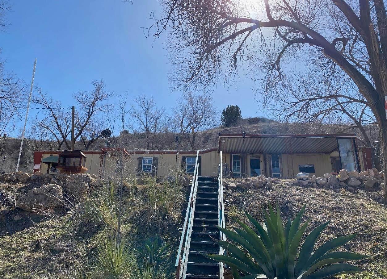 563 Comanche Drive - Photo 1