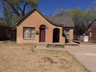 2422 22nd Street, Lubbock, TX 79411 (MLS #202102182) :: The Lindsey Bartley Team