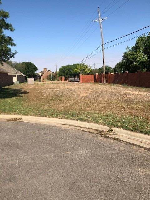 402 Troy Avenue, Lubbock, TX 79416 (MLS #202104812) :: Better Homes and Gardens Real Estate Blu Realty