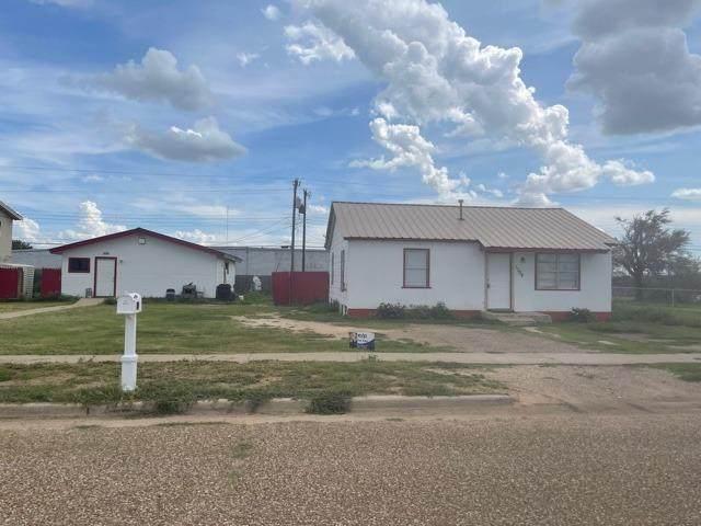 1310 E 17th Street, Lubbock, TX 79403 (MLS #202106933) :: Lyons Realty