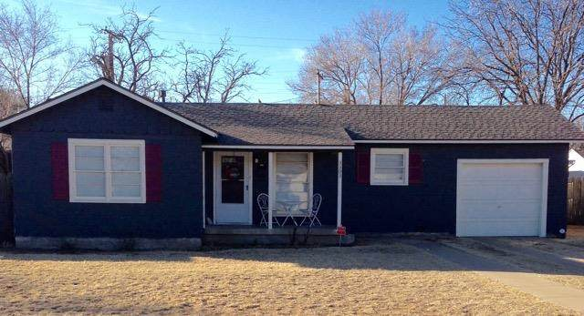 3303 31st Street, Lubbock, TX 79410 (MLS #202001750) :: Stacey Rogers Real Estate Group at Keller Williams Realty