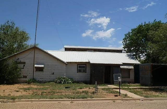 132 N Farmer, Crosbyton, TX 79322 (MLS #202005122) :: Lyons Realty